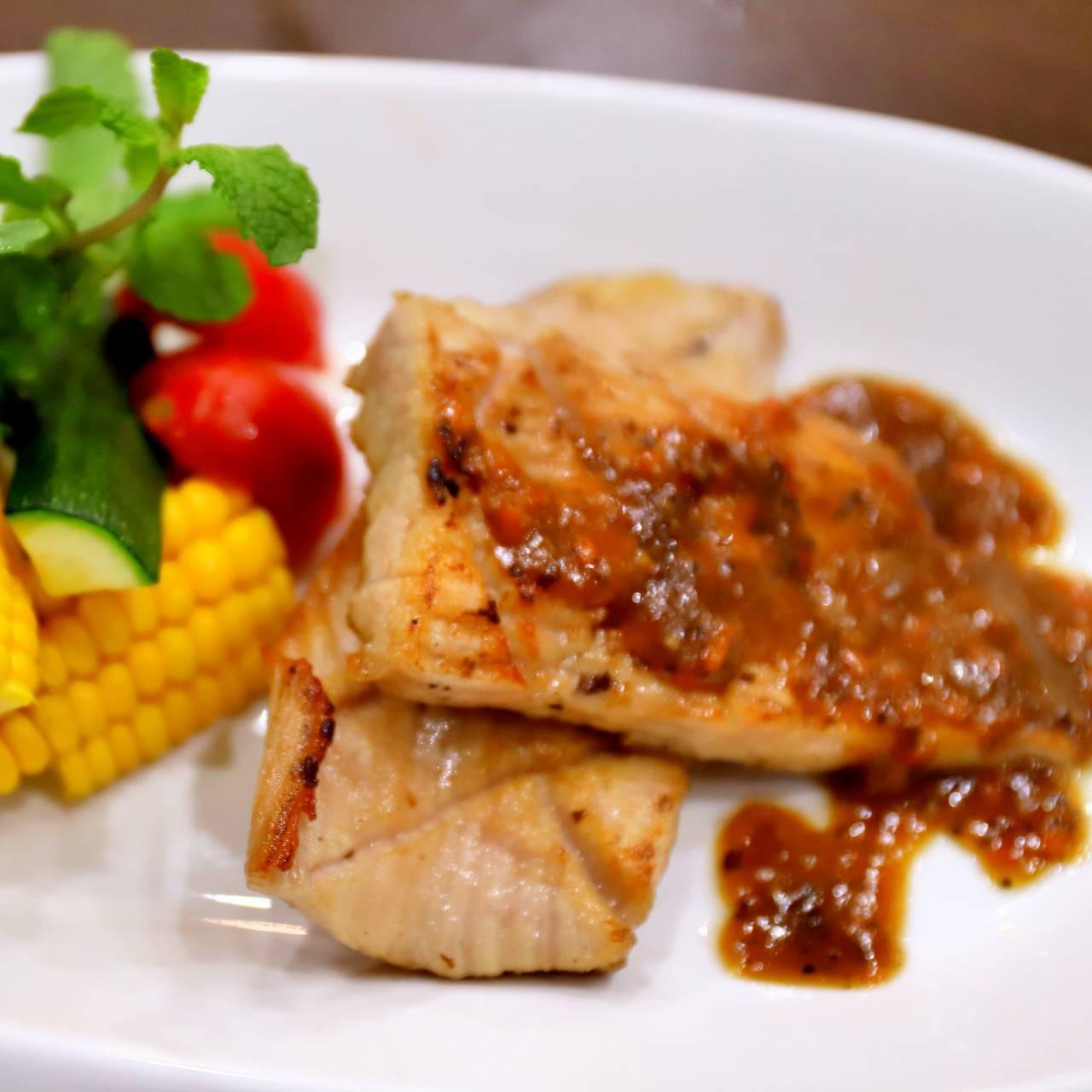 主廚私房菜:松板豬佐自然花香