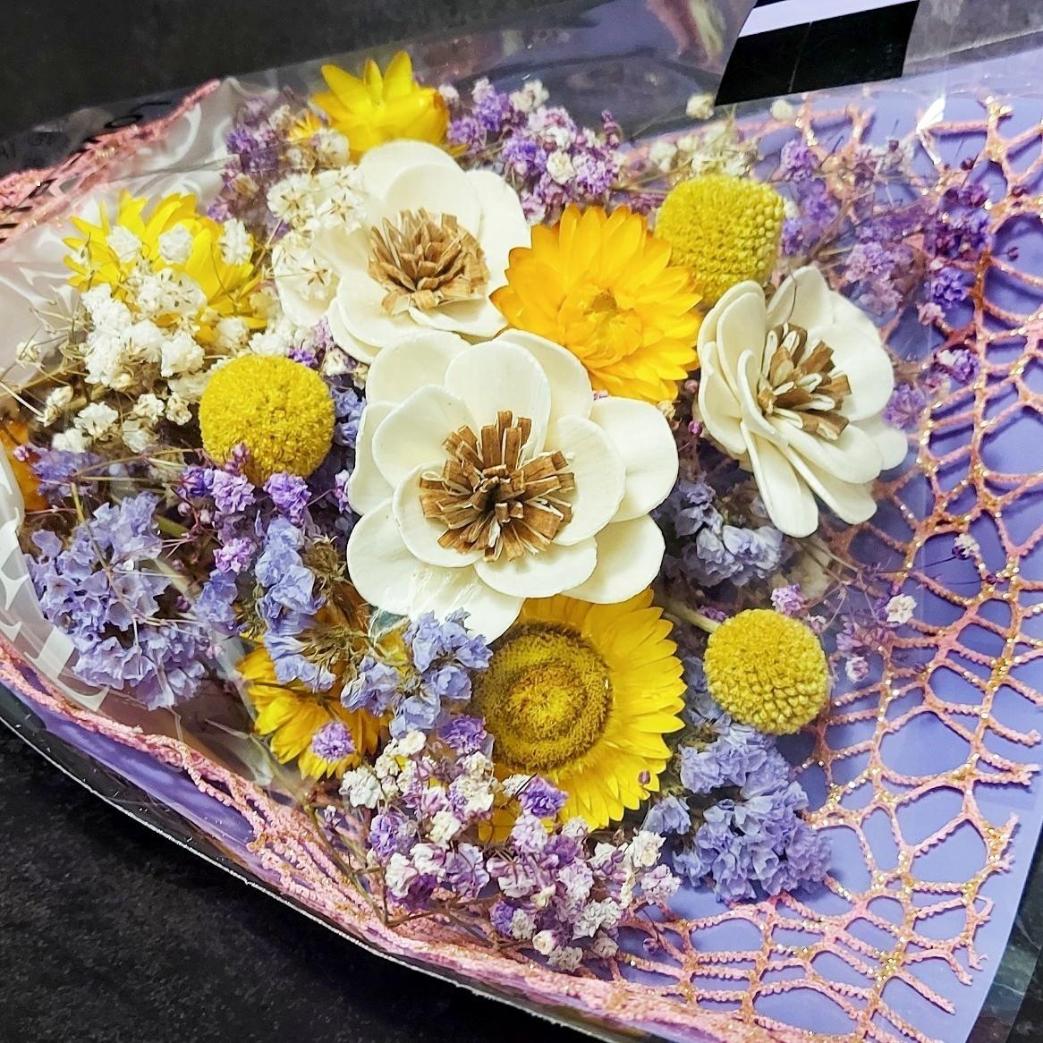 孟澧花坊-燦爛馨香花束